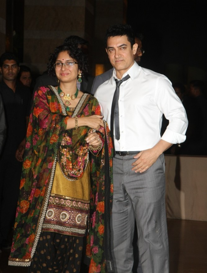 Aamir Khan with wife Kiran Rao at Ritesh Deshmukh Genelia Wedding