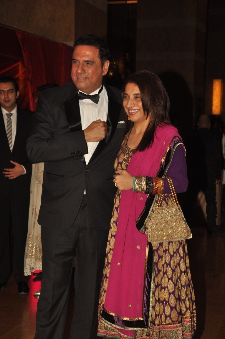 Boman irani with wife zenobia at ritesh deshmukh genelia wedding