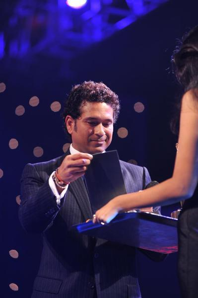 Indian Cricketer Master Blaster Sachin Tendulkar at the Bloomberg TV Autocar India Awards 2013 in Mumbai God  4