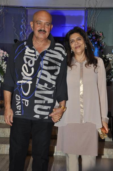 Rakesh Roshan with wife Pinky Roshan at the birthday of ...