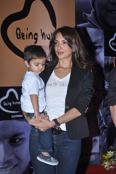 Sohail Khan  s wife Seema Khan with their youngest son at Salman Khan  s BEING HUMAN flagship store launch at Linking Road in Mumbai  1