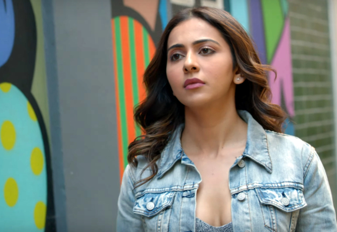 De De Pyaar De Movie Song Chale Aana starring Rakul Preet Singh  11