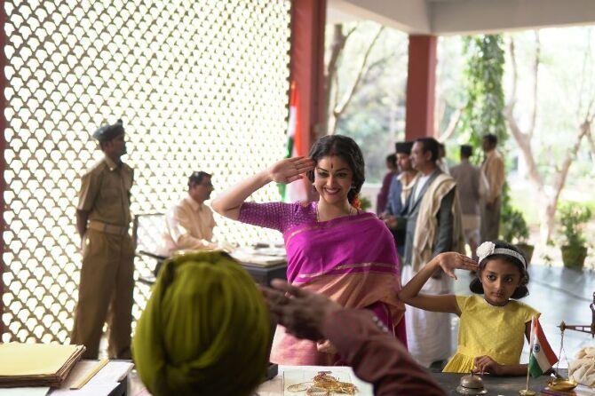 nadigaiyar thilagam movie photos-photo35