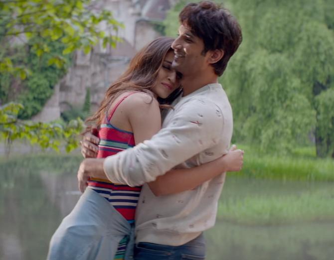 Kriti Sanon and Sushant Singh Rajput Raabta Movie Darasal Song Stills  11