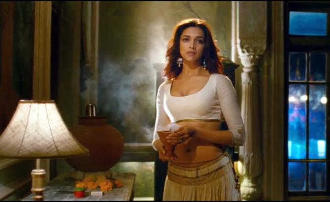 Deepika Padukone Ram Leela Hot Song Still