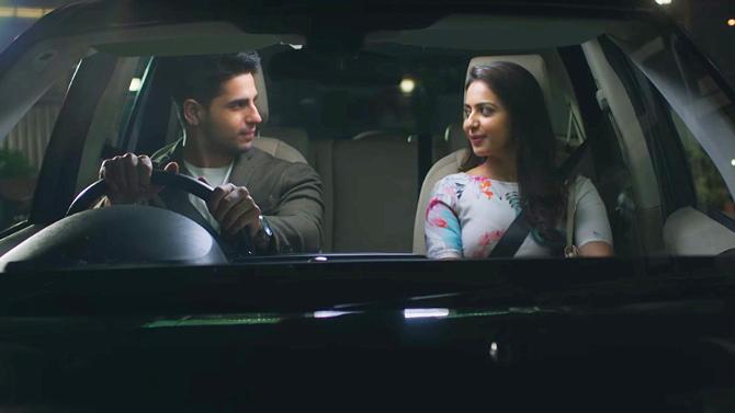 Rakul Preet Singh Sidharth Malhotra Aiyaary Movie Songs Photos  5