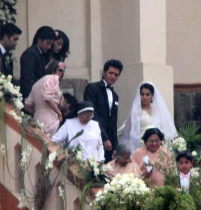 Ritesh Deshmukh Genelia DSouza Church Wedding Stills ...