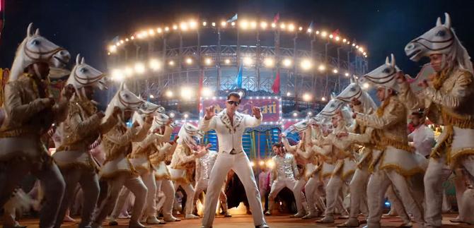Salman Khan  Disha Patani starrer Bharat Movie Slow Motion Song 5