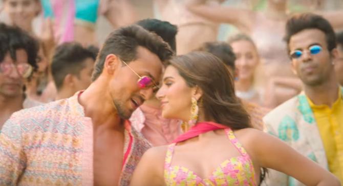 Mumbai Dilli Di Kudiyaan Song Starring Tara Sutaria  Ananya Panday   Tiger Shroff  3