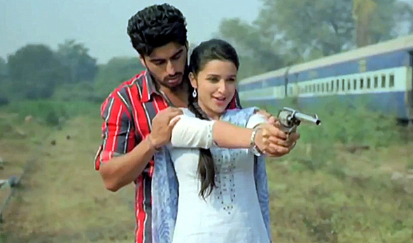 Parineeti Chopra Arjun Kapoor Ishaqzaade Movie Scene Pic