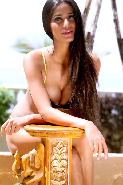 Poonam Pandey Sizzling Hot Photo
