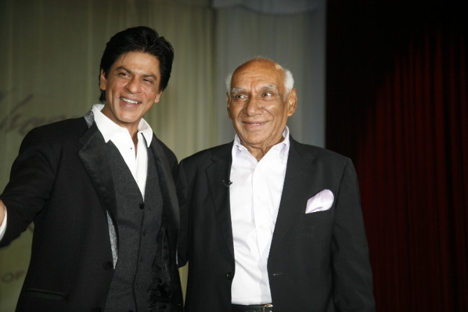 Yash Chopra with Shahrukh Khan on Birthday Pics