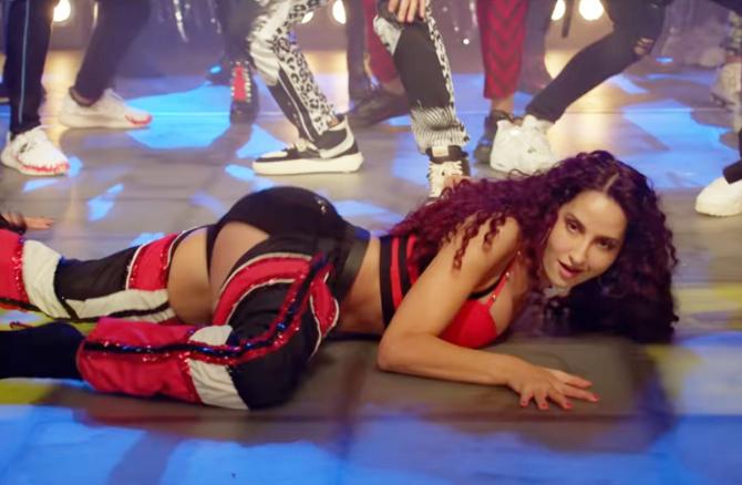 Nora Fatehi   Varun Dhawan starrer Street Dancer 3D Movie Song Garmi Pic  9