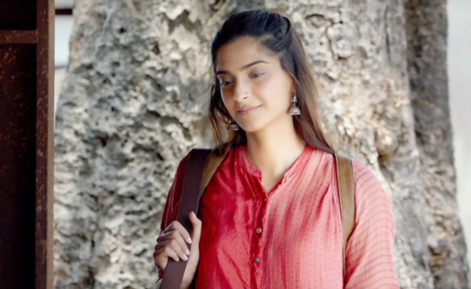 Sonam Kapoor Padman Movie Stills  8