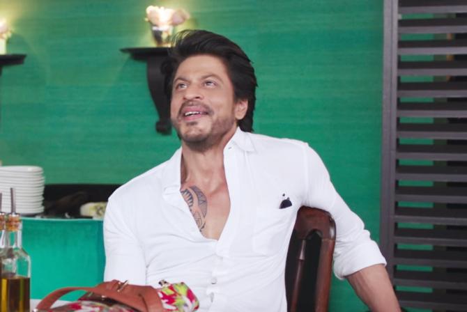 Anushka Sharma and Shah Rukh Khan Jab Harry Met Sejal Movie Song Stills  16