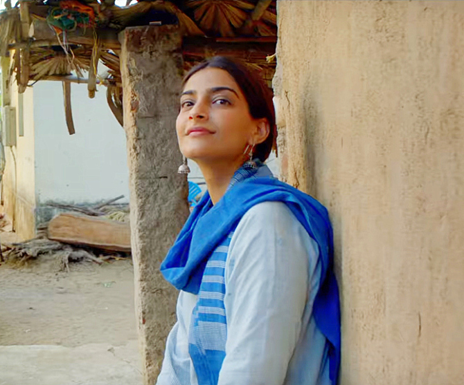 Sonam Kapoor PADMAN Movie Stills  13