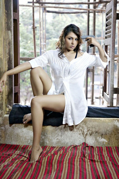 Actress Madhu Shalini Department Movie Hot Pics
