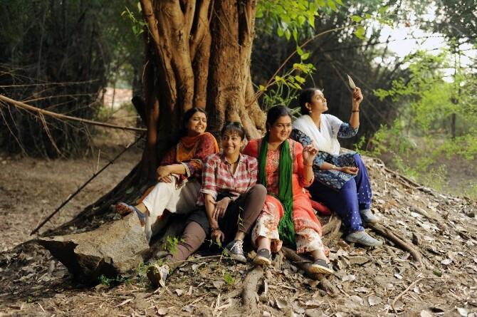 Magalir Mattum Tamil Movie Working Stills  9