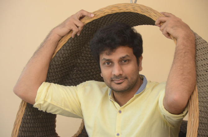 okka kshanam telugu movie photos-photo52