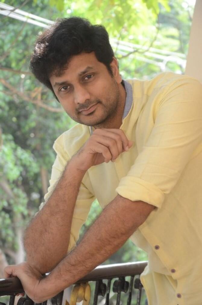 okka kshanam telugu movie photos-photo55