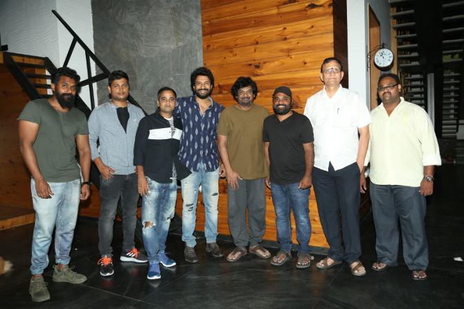 Puri jagannath Released Bluff Master Movie Title Logo  5
