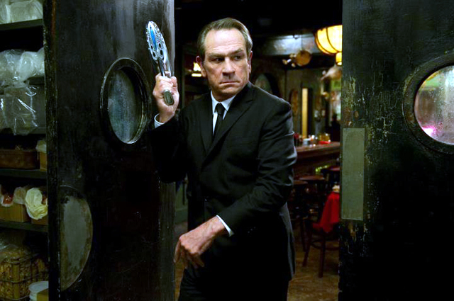Tommy Lee Jones in Men in Black 3 Photo