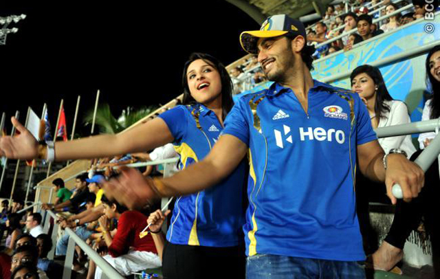 Arjun Kapoor and Parineeti Chopra at Mumbai Indians VS Royal Challengers IPL Match Photo