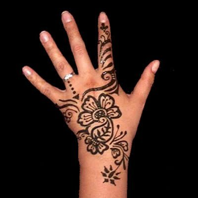 phoca thumb l simple party mehndi hina 1